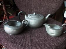 VINTAGE ENGLISH PEWTER TEAPOT WITH BAKELITE HANDLE & SUGAR BOWL & MILK JUG